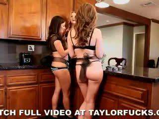 pussy eating, threesome, maid