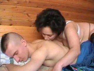 Purjus vene ema seduces the youth