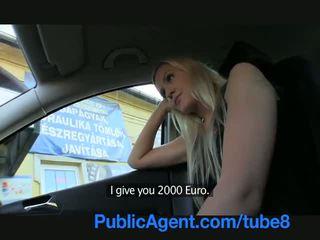 Publicagent largo haired sexy rubia en follada outdoors por un stranger