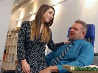 Dcera bambi brooks slutty tajemník zážitek s stepfather