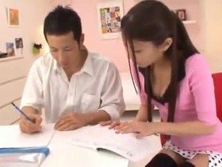 Astounding kitajka nymph receives cumload po velika having seks seks.