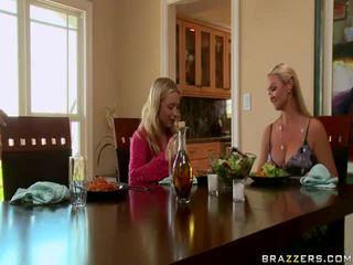 বিনামূল্যে বিশাল চামচিকা moms getting হার্ডকোর বিনামূল্যে ভিডিও