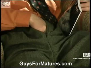 色情女孩和男人在床上, porn in and out action, 歲的年輕性