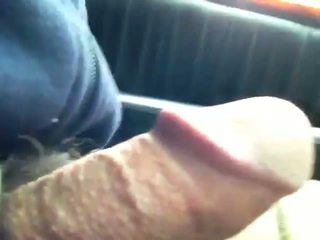 Exhibitionist driving xe hơi trong khi masterbating