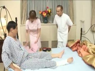 Myuu hasegawahot azijietiškas mažutė giving a čiulpimas