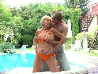 Granny Fucks Next to a Pool, Free 21 Sextreme HD Porn d5