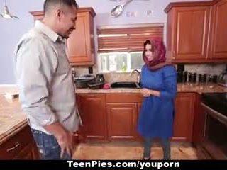 Teenpies - muslim dívka praises ah-laong čurák