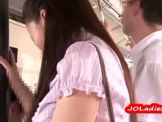 Kantoor dame getting haar reusachtig tieten en poesje rubbed door guys op de tube