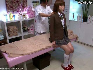 Japonais ado école fille corps massage