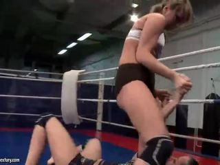 lesbiana, lucha de lesbianas más, muffdiving mejores