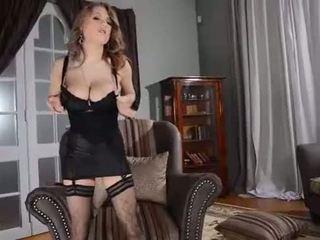 Perfeita mamalhuda letã beauty viola masturbates seductively