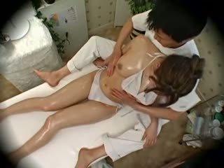 Spycam mote modell seduced av masseur 1