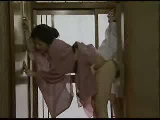 Japanisch hausfrau im kimono gefickt video