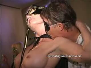 Masked groot clit orgie milf has 2 cums eaten standing flat op terug lang edit