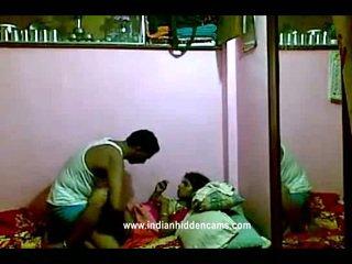 Индийски rajhastani pair в traditional индийски outfits having порно гигантски