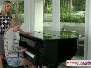 Musical mama vymieňanie semeno s stepteen