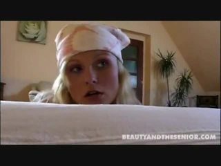 Kotor membersihkan wanita