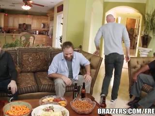 Brazzers - payton west cuckolds dia suami