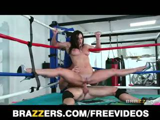 Liels zīle kendra lust fucks a cīņa champion uz the ring