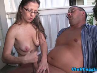 Spex アマチュア 熟女 giving 手コキ 上の ザ· porch: フリー ポルノの 8b