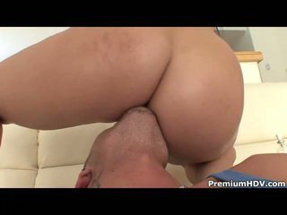 Savannah Paige Gets It Right In Ass