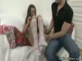 Tímida e charming jovem grávida gaja looses dela inocente.