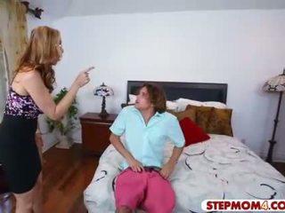 Julia ann en abby lee brazil heet trio in de slaapkamer