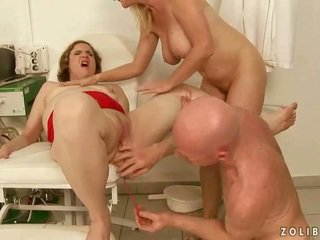 Hard pissing threesome