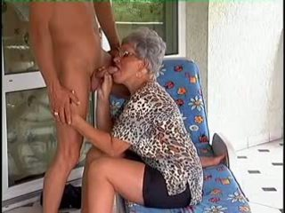 grannies, matures, gamla + young