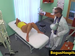 Real Euro Patient Plowed During Checkup, Porn 4e