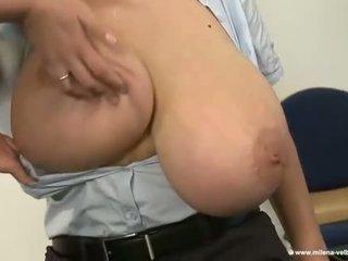 To tits chơi thời gian