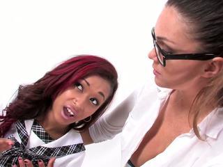 امرأة سمراء, يتم التصويت عليها الجنس عن طريق الفم أي, hq اللعب لطيف