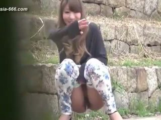 Cinese ragazze andare a toilet.3
