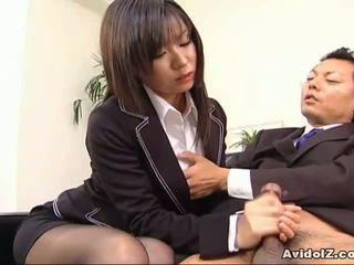 性感 秘书 satomi maeno sucks an 丑 迪克!