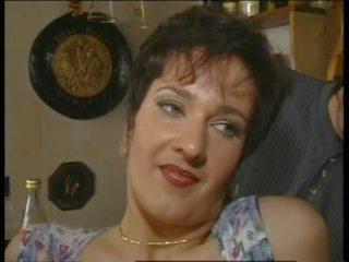 Curvy kurva: gratis titty neuken porno video- d5
