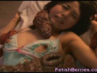 Tentacles ejaculações em asiática beauty!
