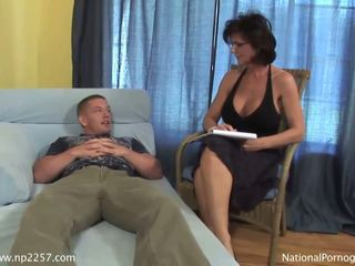 Vollbusig milf shags mit sie jung rallig patient