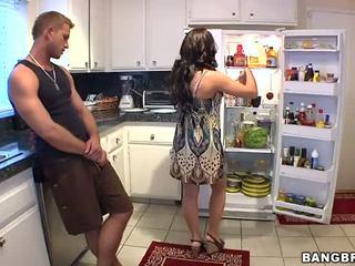 kuradi, köök, horny mom