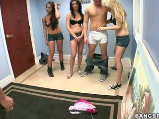 3 guys uno chica porno