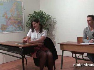 Sexy franceze arab student bythë fucked në threeway nga të saj classmates