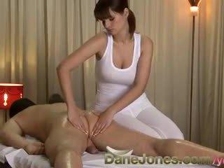 bruneta, orálny sex, veľké prsia