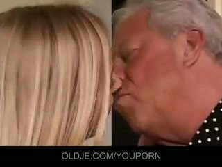Vana ja noor kolmekesi fuck