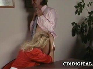 Lynn lemay kantoor secretaresse geneukt door coworker