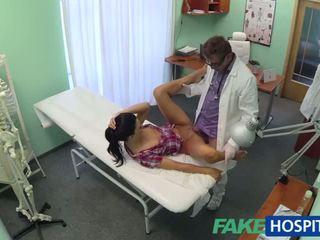 뜨거운 adela gets doctors 큰 수탉 therapy