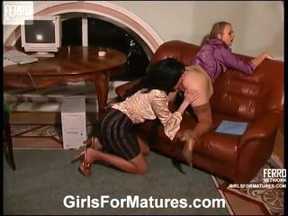 Rosaline And Florence Pussytake Up Nearby The Tongueing Mature On Movie