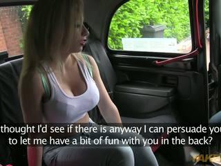 매춘부 이다 준비된 에 지불 그녀의 taxi driver 와 그녀의 단 몸
