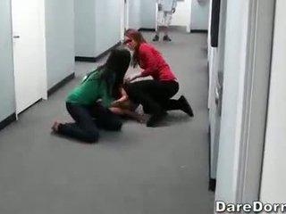 Ištvirkęs koledžas paaugliai įrašas jų laukinis seksas vakarėlis