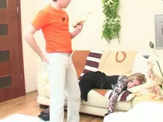 Μεθυσμένος/η κοιμώμενος/η μαμά πρωκτικό πατήσαμε βίντεο