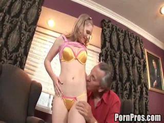 الجنس الشباب القديمة, how to give her oral sex