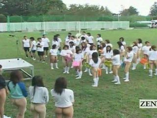 Subtitled bottomless ao ar livre japão schoolgirls assembly
